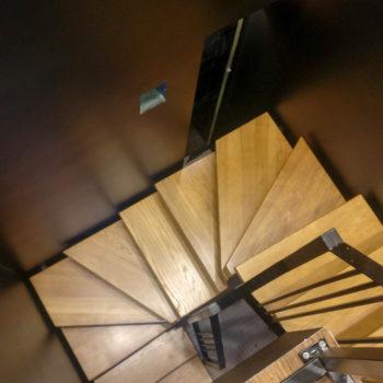 лестницы из массива, лестницы калининград